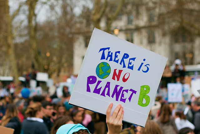 Protestplakat med texten: There is no planet B